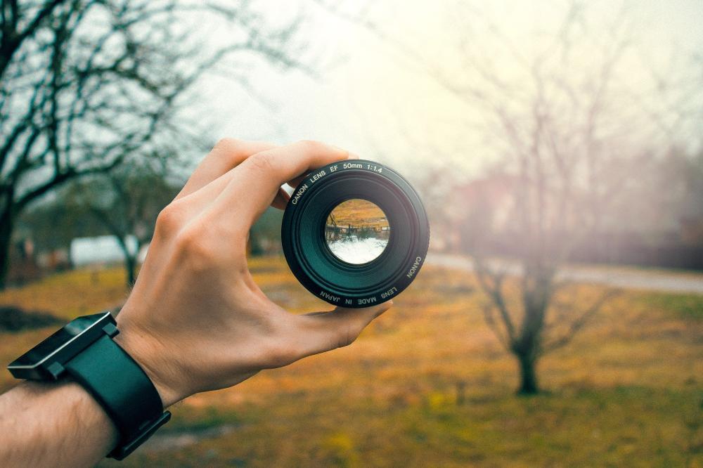Fotografia klubowa jaki obiektyw?